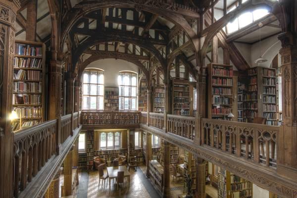 Library Interior 06